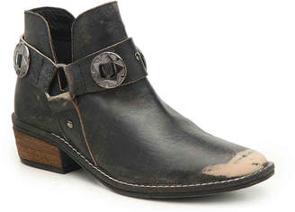 Chinese Laundry Austin Western Bootie - Women's