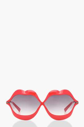 boohoo Red Kiss Novelty Sunglasses