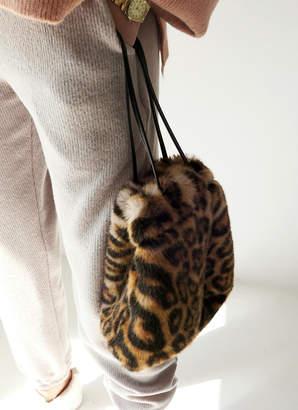 DHOLIC (ディーホリック) - フェイクファーレオパード巾着バッグ