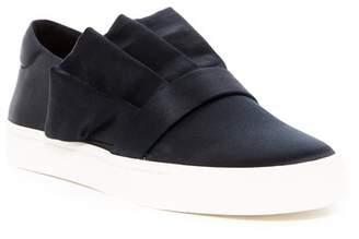 Louise et Cie Buca Ruffle Slip-On Sneaker