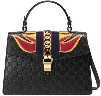 Gucci Sylvie medium Signature bag