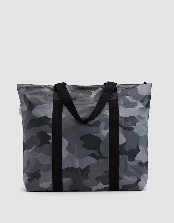 Rains Tote Bag in Night Camo