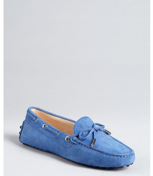 Tod's aquarius blue suede bow detail loafers