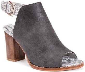Muk Luks Rebeka Women's Chunky Heel Sling-Back Sandals