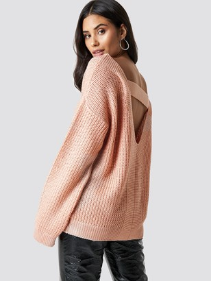 Milla Trendyol Low-Cut Back Pullover Pink