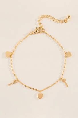 francesca's Leah Heart And Key Charm Bracelet - Gold