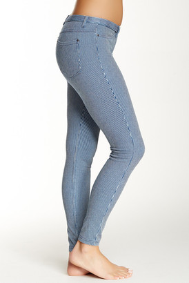 HUE Pinstripe Jean Legging $44 thestylecure.com