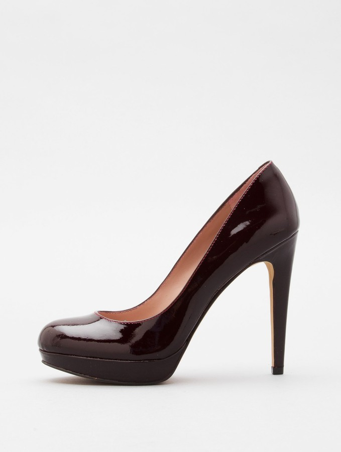 SARIKA by Vince Camuto