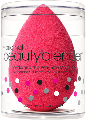 Beautyblender Red carpet beauty blender $17 thestylecure.com