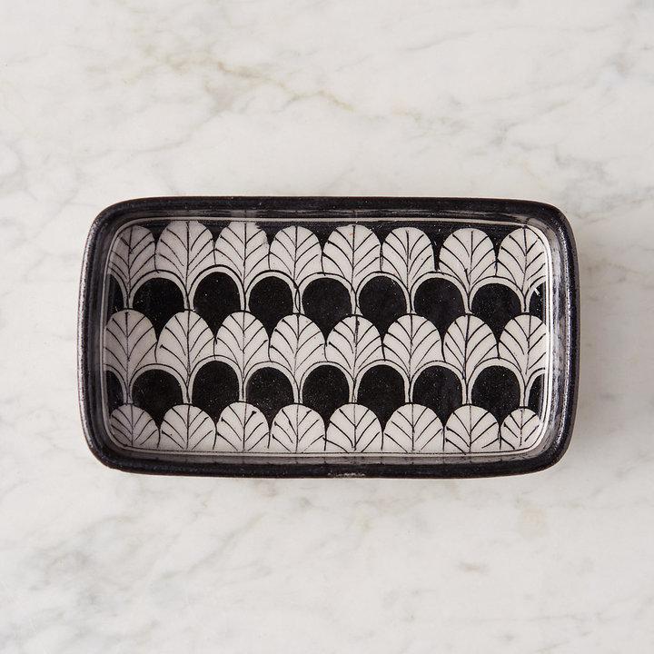Scalloped Rectangle Soap Dish