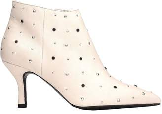 Janet & Janet White Ankle Boot With Studs
