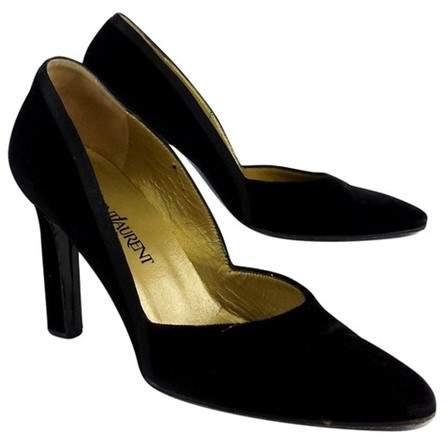 Yves Saint Laurent Black Velvet Pointed Toe Pumps
