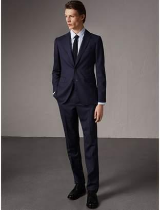 Burberry Soho Fit Herringbone Wool Suit