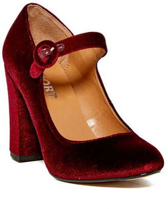 Report Lecrone Mary Jane Pump $50 thestylecure.com