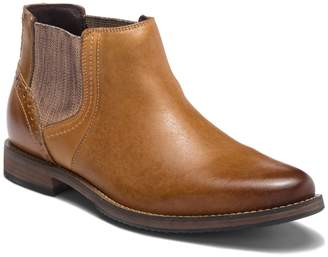 Steve Madden Quahog Leather Chelsea Boot