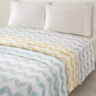 Intelligent Design ID51-834 Chevron Plush Blanket