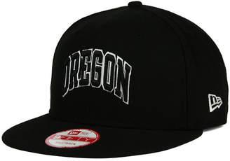 New Era Oregon Ducks Black White 9FIFTY Snapback Cap