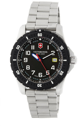 Victorinox Swiss Army Men&s Maverick Swiss Quartz Sport Watch $450 thestylecure.com