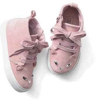 Cat lace-up sneakers $49.95 thestylecure.com