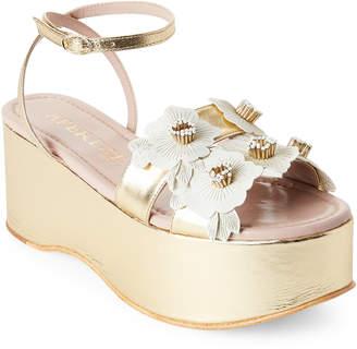 Aperlaï Gold & White Flower Applique Platform Sandals