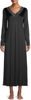 Hanro Ava Velvet Long-Sleeve Night Gown