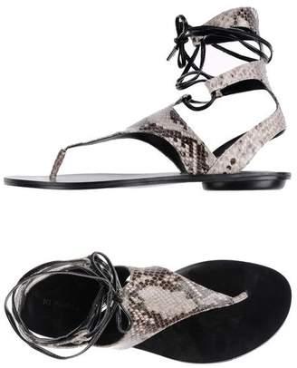 KENDALL + KYLIE Toe post sandal