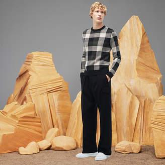 Lacoste Men's Fashion Show Wide Fit Flap Pockets Stretch Wool Pants