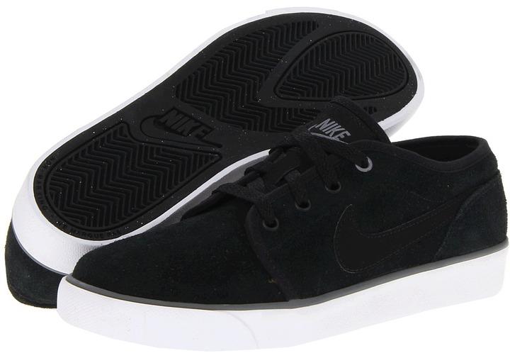 Nike Coast Classic (Big Kid) (Black/White/Cool Grey/Black) - Footwear