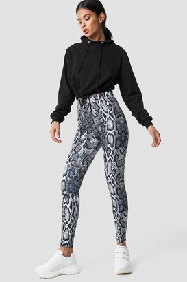 5a7055049003e4 NA-KD Snake Print Leggings Multicolor