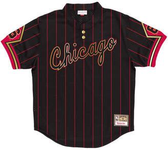 Mitchell & Ness Men Chicago Bulls 6 Ring Collection Mesh V-Neck T-Shirt