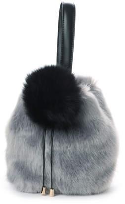 kakatoo (カカトゥ) - カカトゥ kakatoo ポンポン付きファー巾着ワンハンドルバッグ