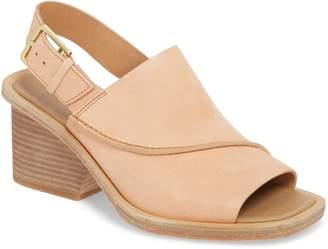 Clarks r Bermudan Block Heel Sandal