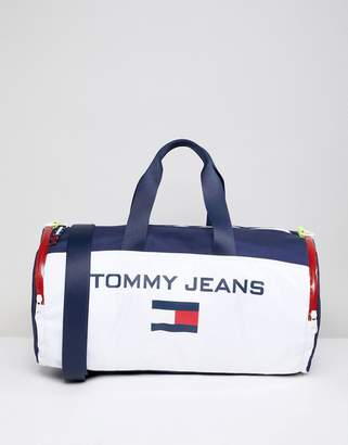 Tommy Jeans 90s Sailing Capsule Flag Logo Duffle Bag in White/Navy/Red