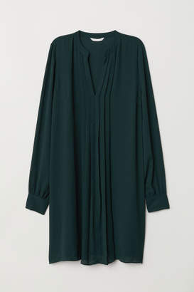 H&M Pleated Dress - Green