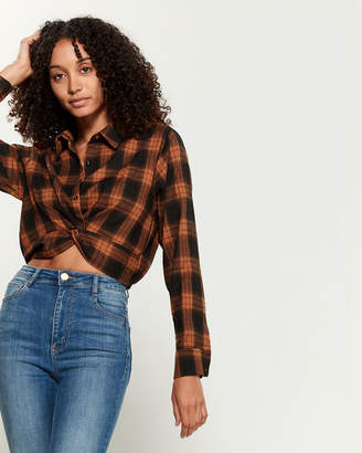 Emory Park Plaid Twist Front Shirt