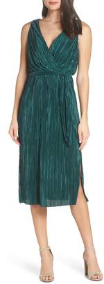 BB Dakota Sleeveless Pleated Dress