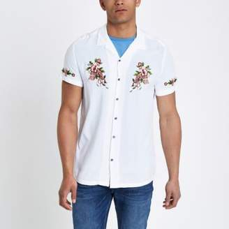 River Island Mens White floral embroidered short sleeve shirt
