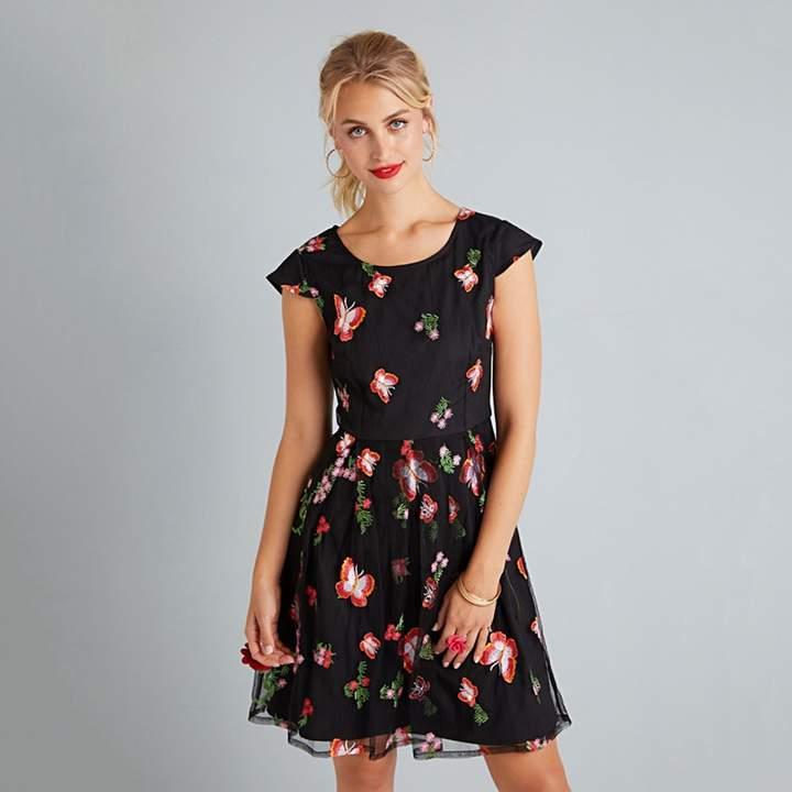 Black Floral Embroidered 'Elissa' Prom Dress