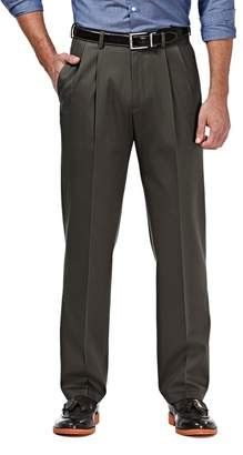 Haggar Men's Premium No Iron Khaki Stretch Classic-Fit Pleated Pants