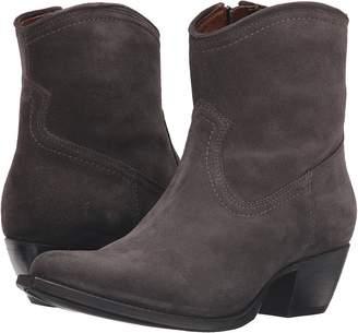 Frye Sacha Short Cowboy Boots