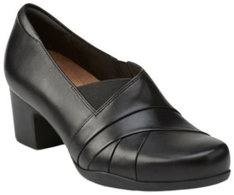 Clarks Artisan Leather Slip-on Pumps - RosalynAdele