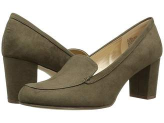 Bandolino Ambrocio Heel