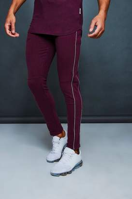 boohoo Muscle Fit Jogger With Reflective Piping