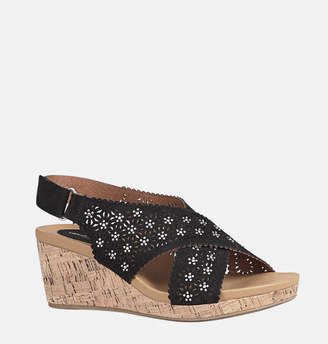 Avenue Gia Perforated Criss Cross Wedge