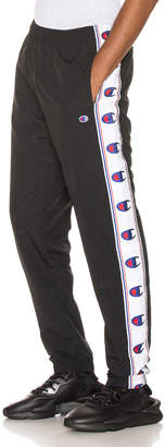 Champion Reverse Weave Elastic Cuff Pants in Black | FWRD