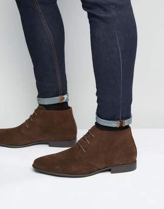 Asos Design DESIGN chukka boots in brown faux suede