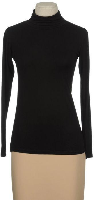 B. YU Long sleeve t-shirt