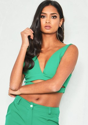 e9ee60ddc981e0 Missy Empire Missyempire Lilly Green Cut Out Plunge Crop Top