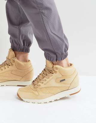 0177d3ca867098 Reebok Classic Leather Mid GTX Trainers In Tan BS7882