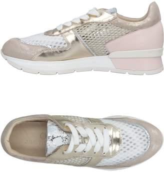 Janet Sport Low-tops & sneakers - Item 11473613KD
